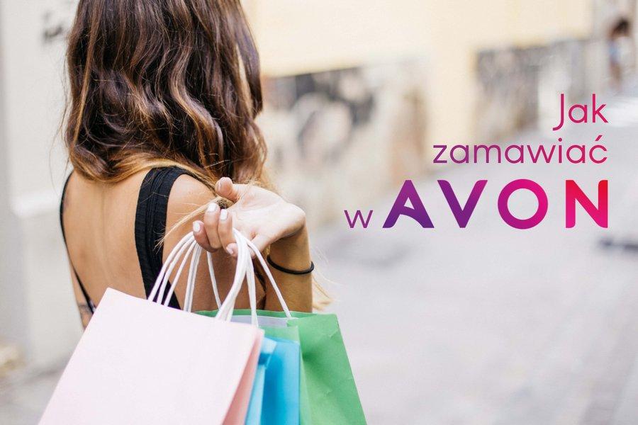 Jak zamawiać w Avon - kobieta z zakupami